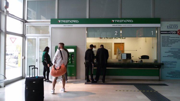 Trenord, riaperta la biglietteria nella stazione ferroviaria di Bergamo.