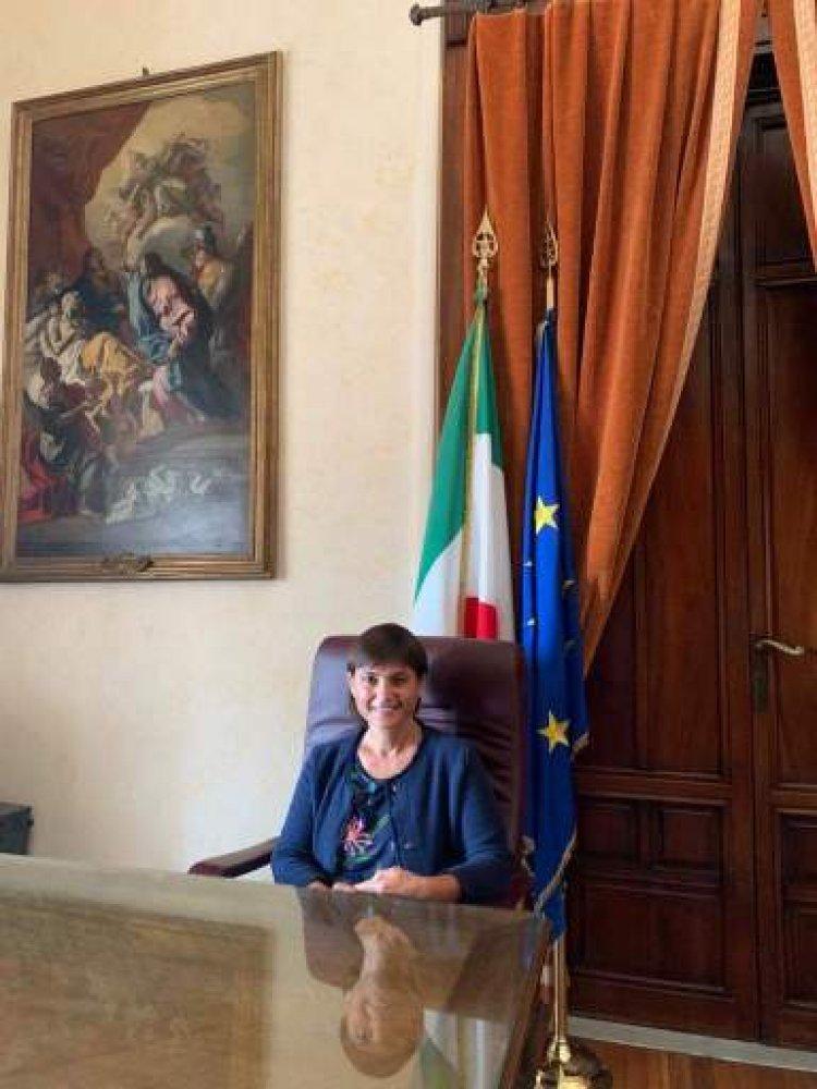 """Governo, Serracchiani: """"Crisi da evitare"""""""