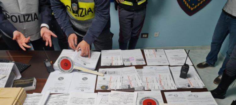 Napoli/Patenti: la Polizia stradale trova false certificazioni mediche