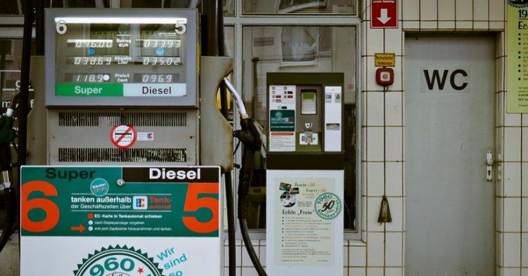 Benzina, Assoutenti: stangata da 6,5 miliardi a causa dei rincari