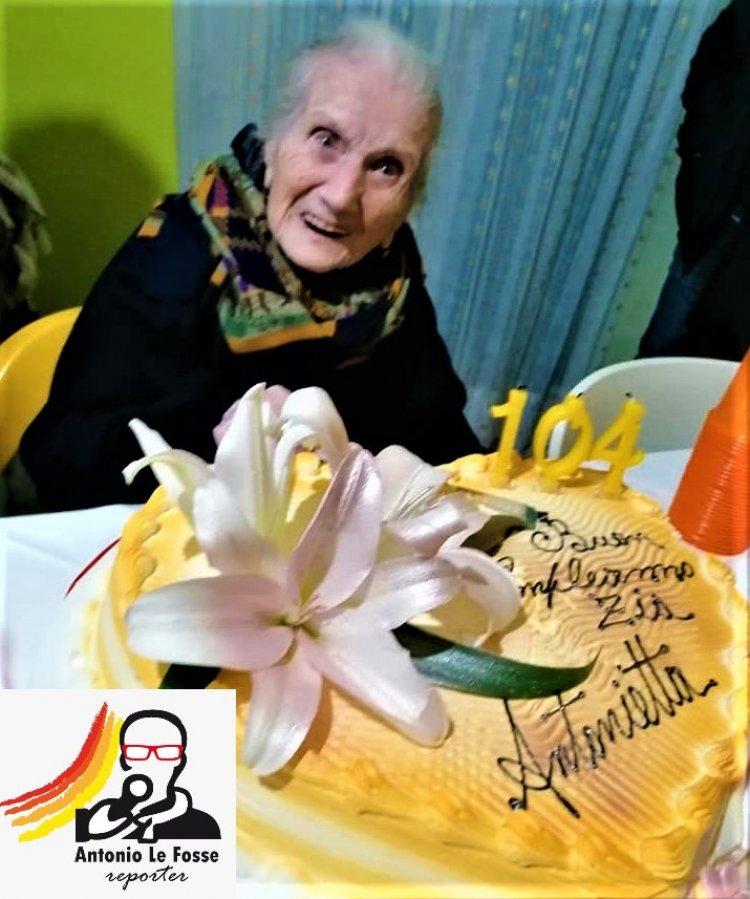 A Rossano (CS) la signora Domenica De Natale ha festeggiato 104 anni