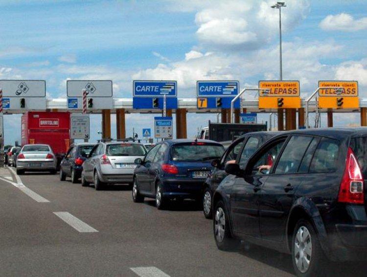 A8 VA > MI. Incidente in Autostrada