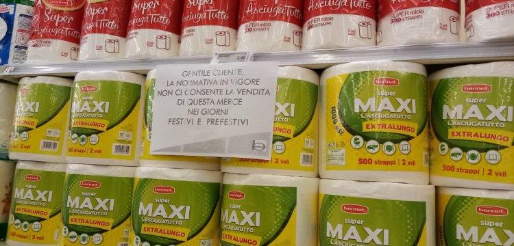 Governo ridicolo carta igienica, divieto nei festivi nei supermercati