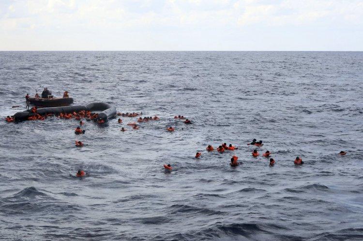 Migranti nuovo dramma nel Mediterraneo, naufragio al largo delle coste della Libia.