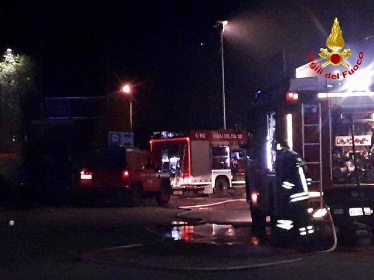 Cuveglio ( VA) incendio a tre veicoli
