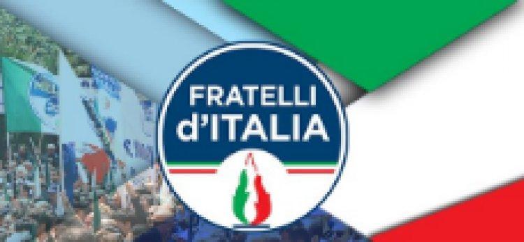 Varese. Sit-in del Circolo Tricolore di FDI, NO al coprifuoco.