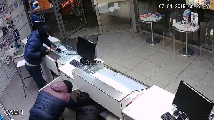 VCO, la Polizia arresta rumeni dediti ai furti nei negozi