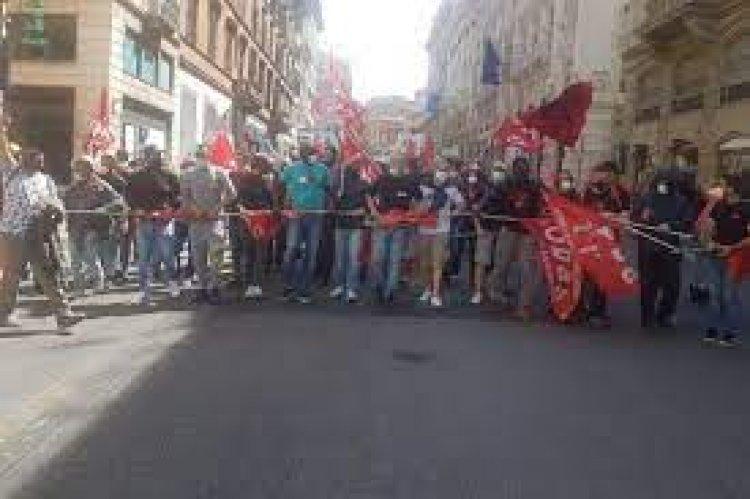 Scontri durante la manifestazione Cobas a Roma: Carabiniere ferito.