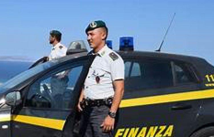 Contrabbando di gasolio a Napoli, Finanza sequestra 18 milioni di beni