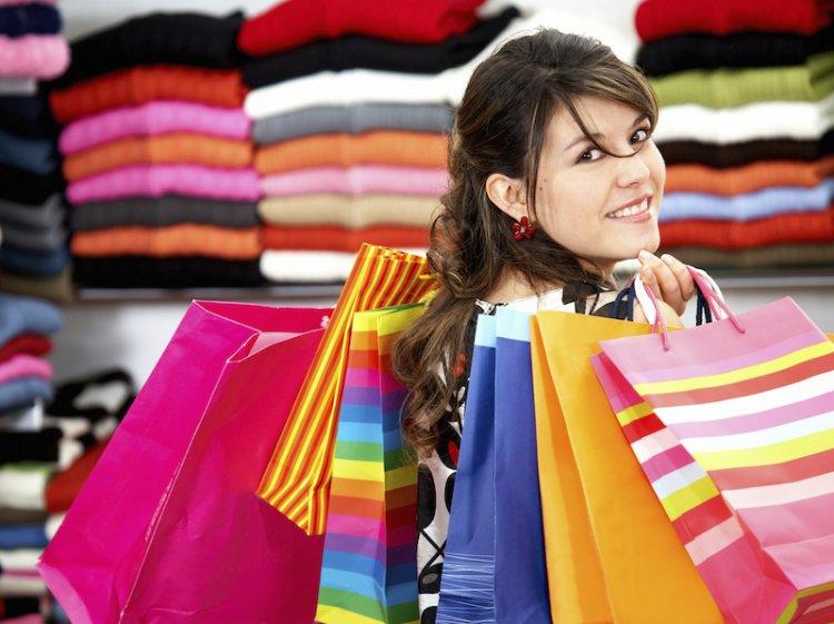 Istat rileva un taglio delle vendite al dettaglio. Famiglie impoverite