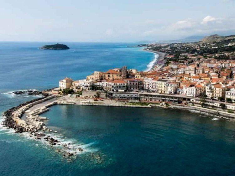 Calabria, un'estate tra meraviglie e prevenzione sanitaria dal COVID19